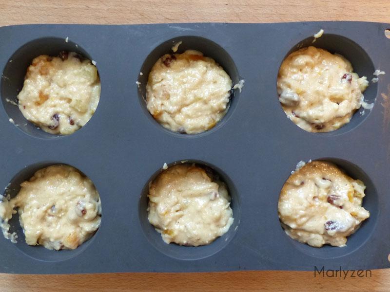 Versez l'appareil dans des moules à muffins
