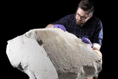 Πέτρα από την πυραμίδα του Χέοπα εκτίθεται στο Εδιμβούργο