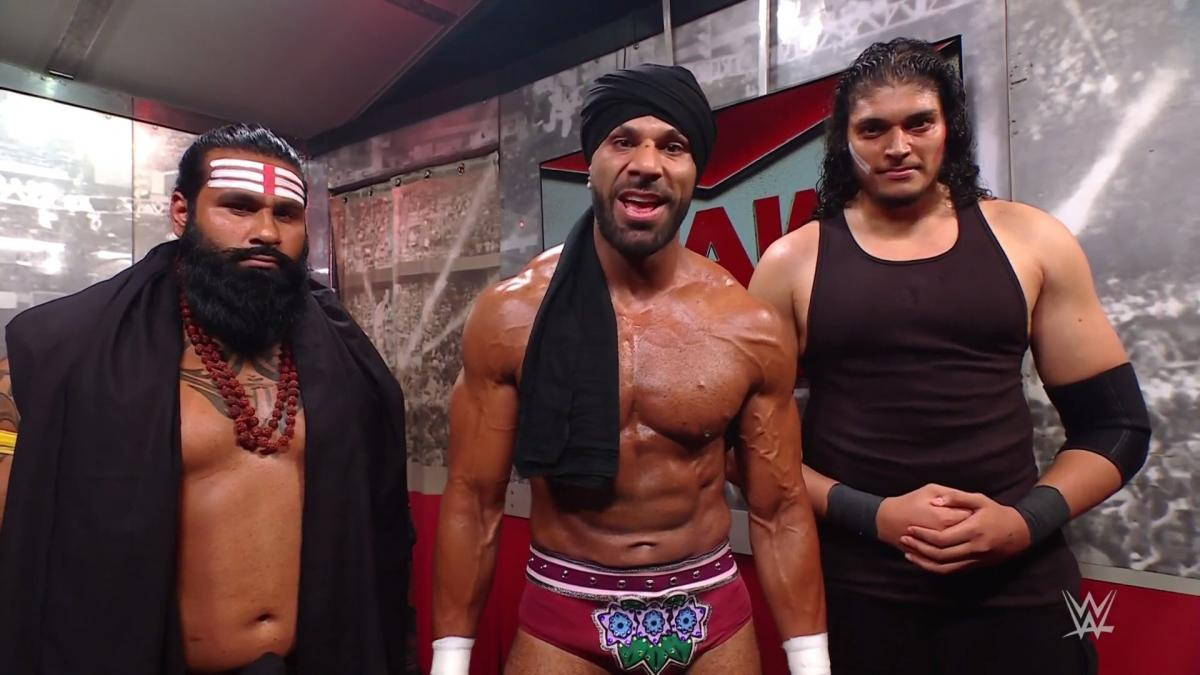 Jinder Mahal retorna ao WWE RAW com novo grupo