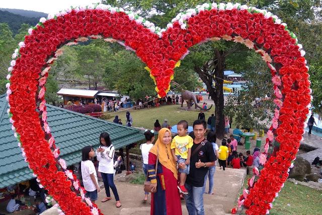 Usia 5 Tahun Pernikahan Hayardin dan Mahgfirah