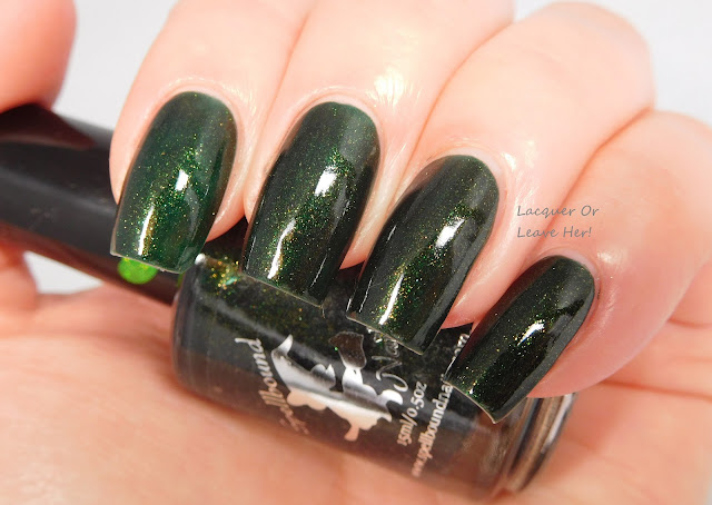 Spellbound Nails Holly Jolly + topcoat