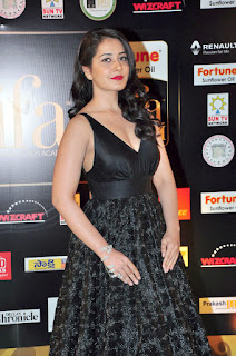 Telugu Actress In Black Dress(12).jpg