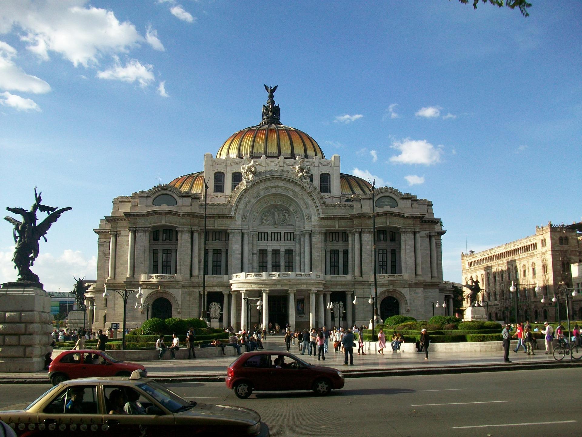 https://pixabay.com/pt/photos/belas-artes-mexico-cidade-do-mexico-649347/
