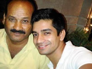 Foto Vishal Singh dengan Ayahnya
