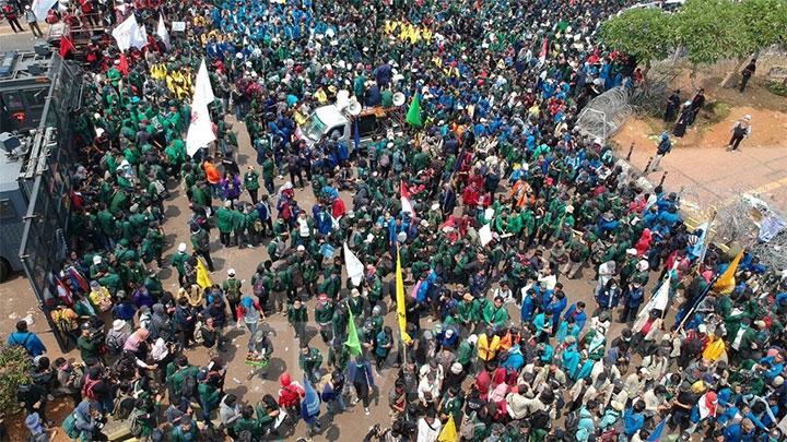 Pasca-Demo Di DPR, 90 Orang Dilaporkan Belum Pulang