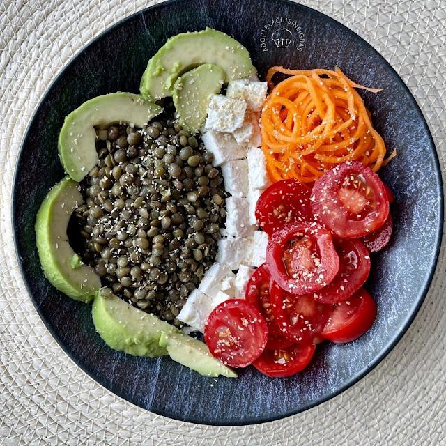 Salade composée - lentilles, tomates, carottes, feta, avocat - Recette facile - IG bas