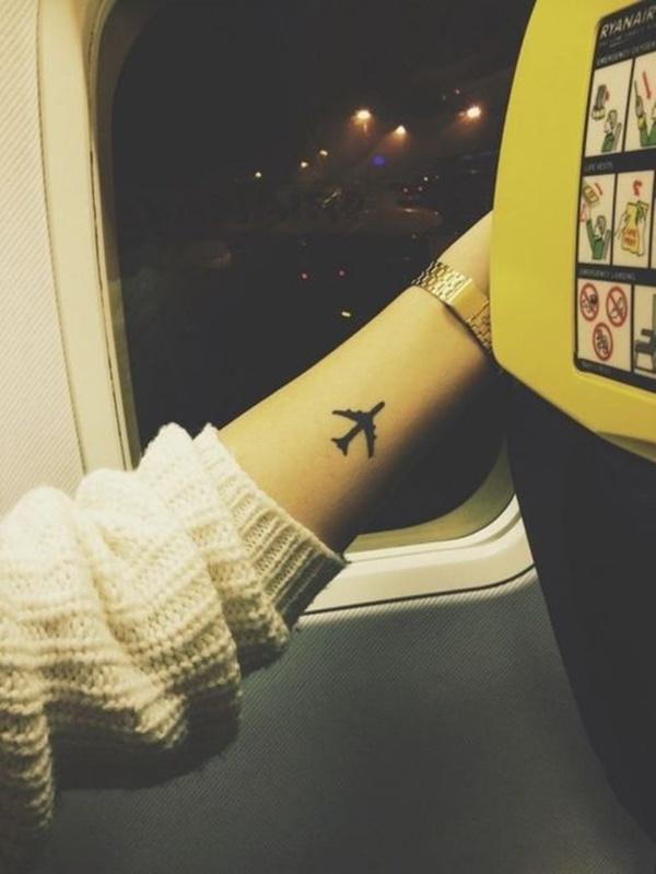 gambar tato salib di punggung
