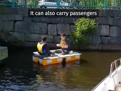 Roboat II carrying passengers