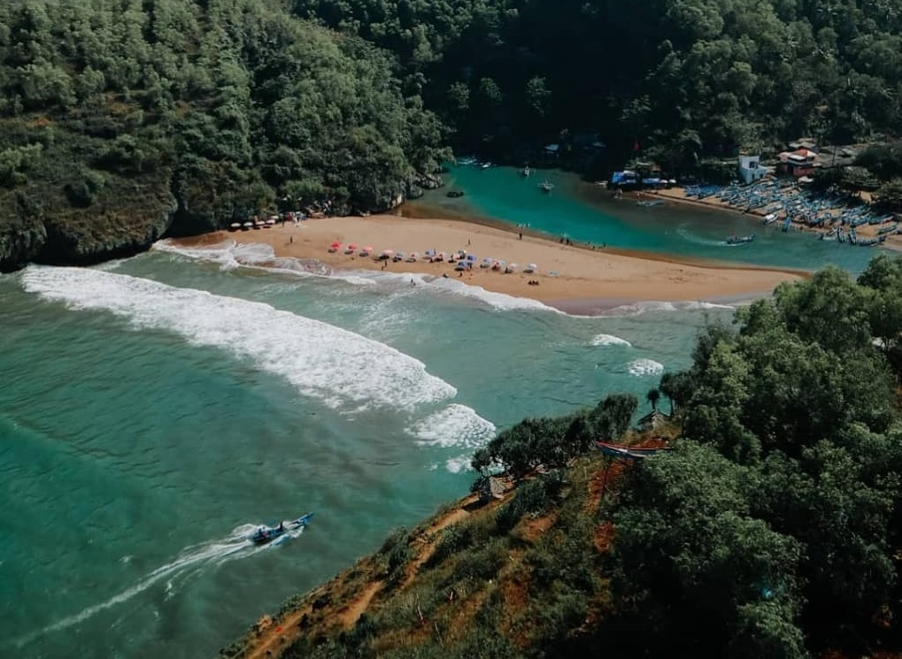 Pantai Baron Gunung Kidul
