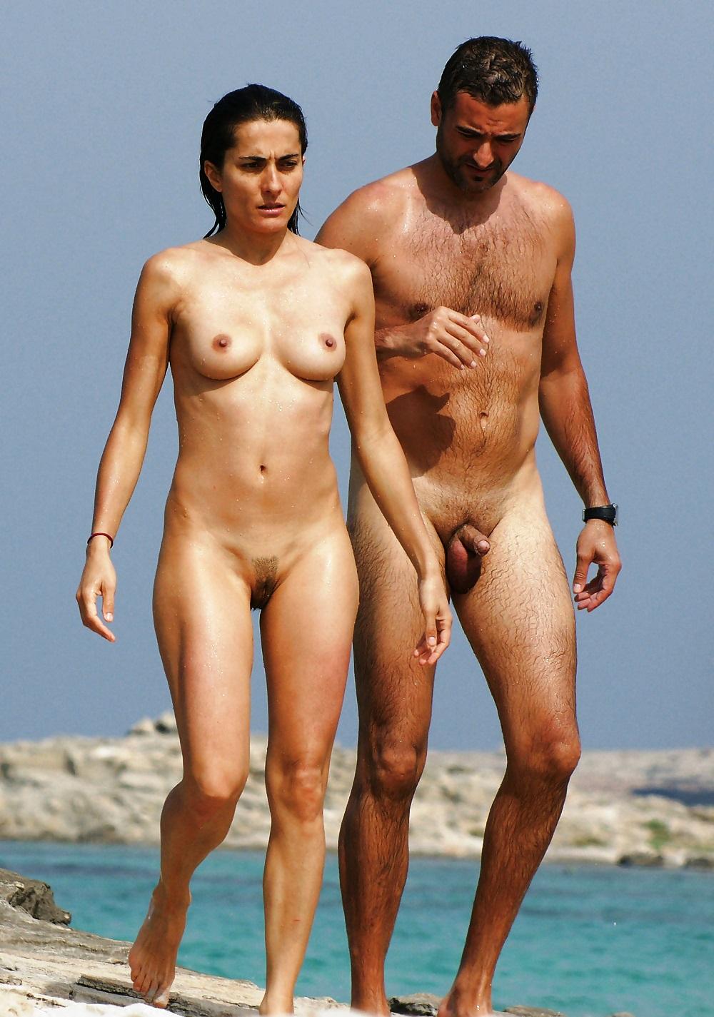 Клип голых женщин и одного голого мужчину