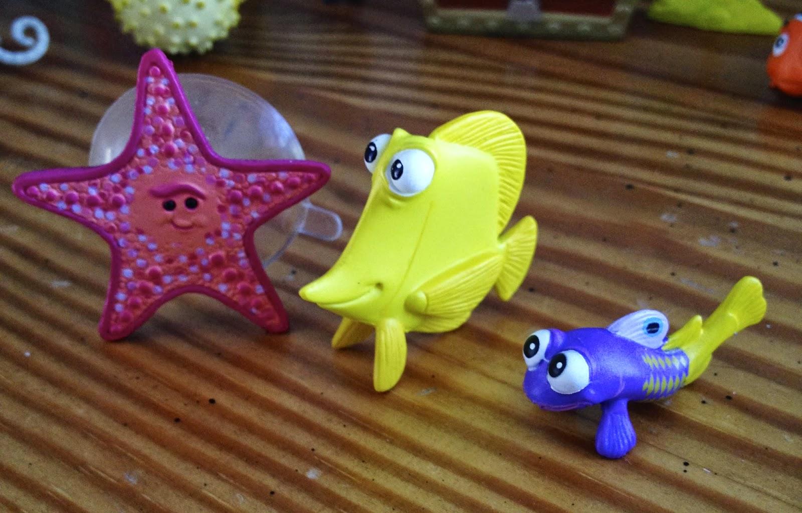 Finding Nemo Toys : Dan the pixar fan finding nemo hasbro aquarium adventure