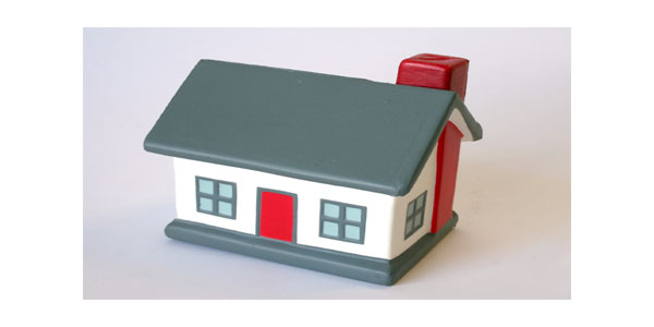 IELTS Writing Task 2 (Rent or Buy a house)