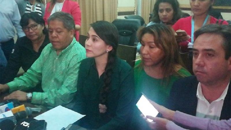 La alcaldesa interina Karen Suárez en conferencia de prensa / RADIO PIO XII