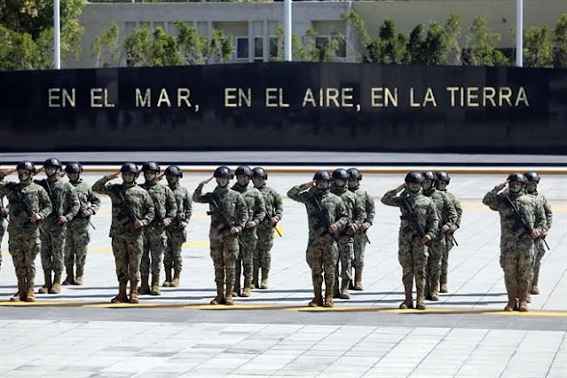 """En el """"MAR,el AIRE y la TIERRA"""""""