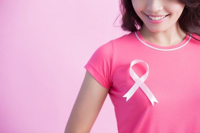 واحدة من كل ثمان سيدات معرضات لسرطان الثدي