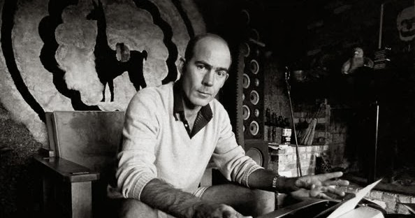 oz typewriter how time flies hunter s thompson and his. Black Bedroom Furniture Sets. Home Design Ideas
