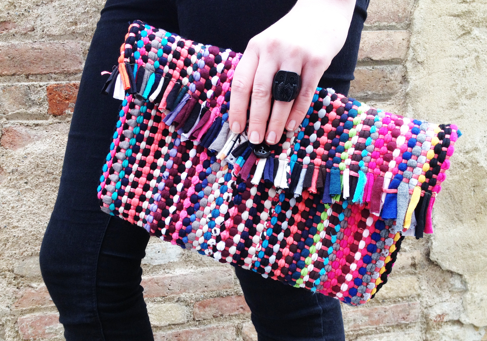 DIY Rug Clutch Bag Tutorial