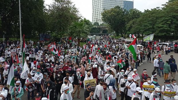 FOTO-FOTO-Penampakan-Massa-Aksi-Bela-Palestina-di-Depan-Kedubes-AS