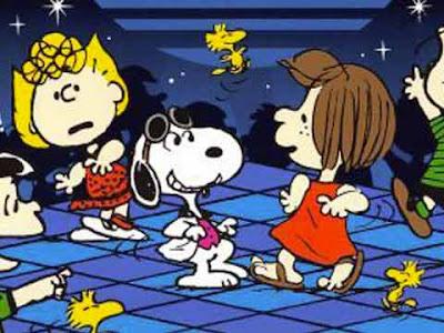 Snoopy e i Peanuts ballano in discoteca versione house