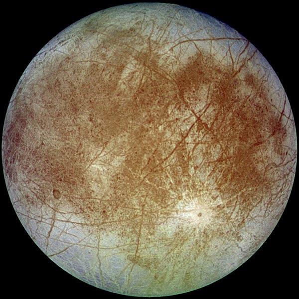 Europa, lua de Júpiter, registrada pela sonda Galileo em setembro de 1996
