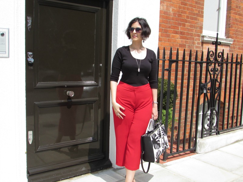 red culottes and black top