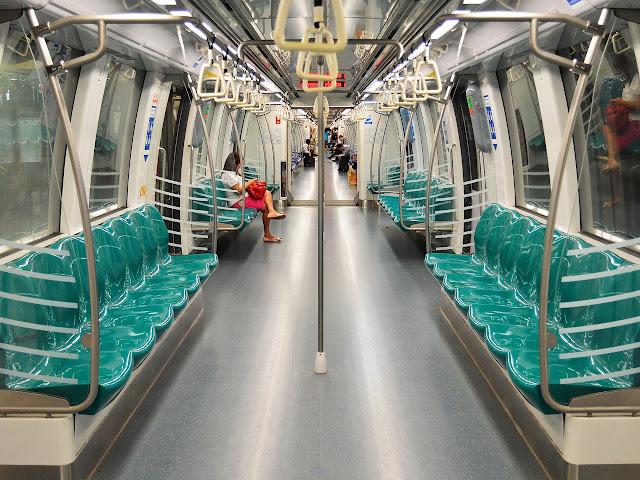 4 Transportasi Umum Andalan Warga Jakarta