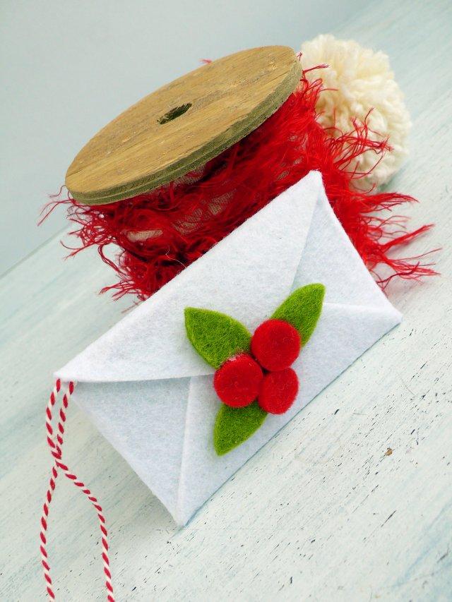 Busta in feltro di Babbo Natale – fai da te