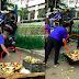 Mga bentang saging ng isang street vendor, sinira ng mga awtoridad matapos itong makumpiska