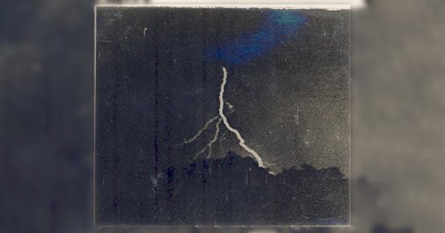 La prima foto al mondo di un fulmine