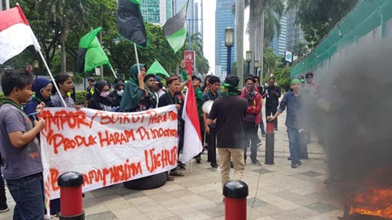 Pemerintah Diam Soal Uighur, HMI UBK Ajak Masyarakat Boikot Produk China