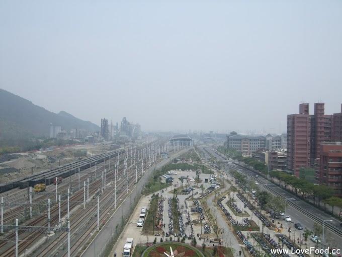 高雄左營-新光三越(左營店)-免費景點 高樓層看左營車站三鐵共構景觀-skm