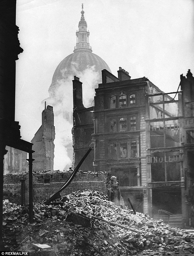 30 December 1940 worldwartwo.filminspector.com Blitz damage St. Paul's Cathedral