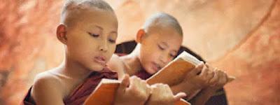 monks learning Pali