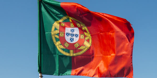 """Sem saída, Portugal é """"obrigado"""" a importar brasileiros para vagas na área de TI"""