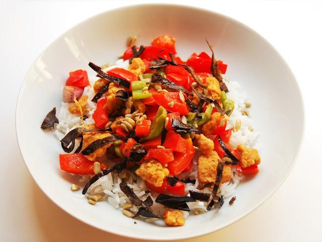 Poêlée poivrons - soja - peaux d'aubergines