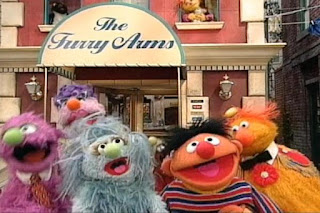 Humphrey, Ingrid, The Dinger and Ernie sing Count with Me in front of the Furry Arms Hotel. Sesame Street 123 Count with Me