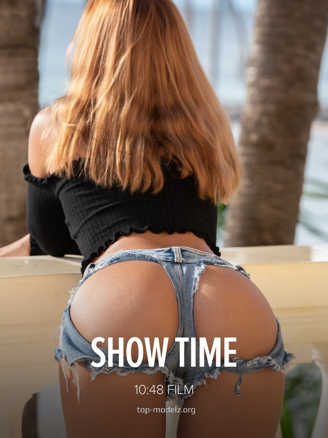 1611217703_20210121-issue-cover-max [Watch4Beauty] Agatha Vega - Show Time