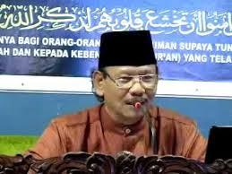 Ustadz Ahmad Sukina
