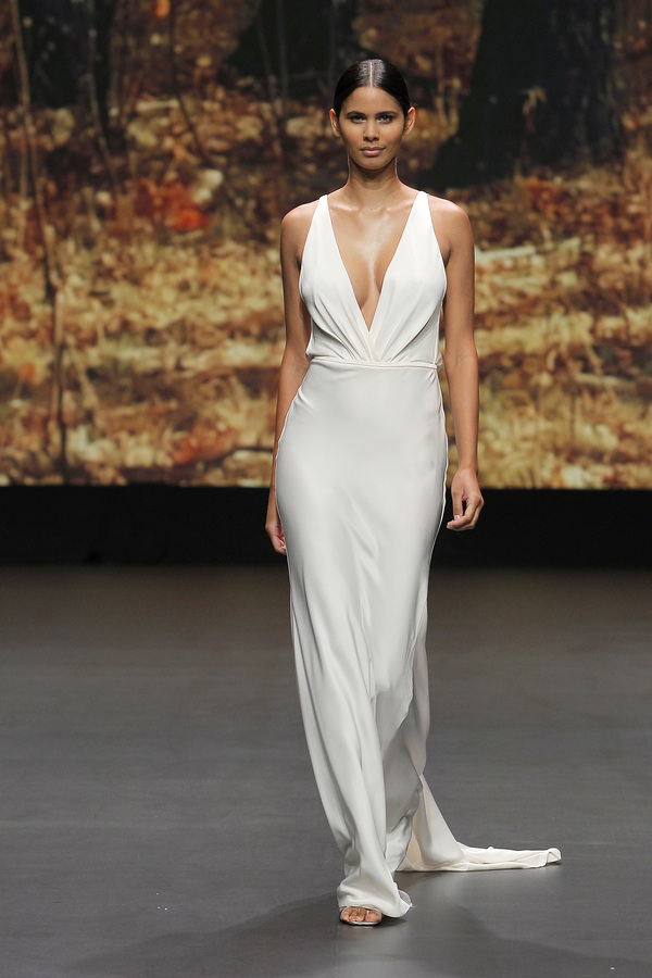 Valmont Barcelona Bridal Fashion Week 2021: Flora