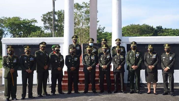Danrem 141/Toddopuli, Pimpin Ziarah Nasional ke Taman Makam Pahlawan (TMP) Rangkaian HUT TNI Ke-76