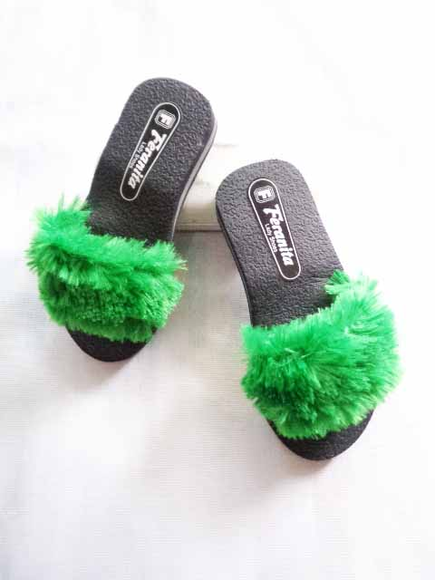 Terbaru ! Sandal Slop Bulu Anak Caantik