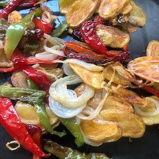 verduras-patatas-pimiento-rojo-pimiento-verde-cebolleta
