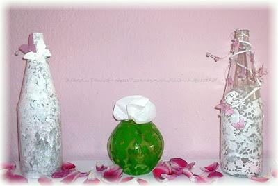 Glasflaschen mit Tortenspitze Muster
