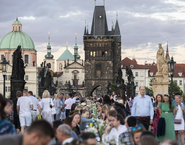 Több mint 2000 új fertőzött Csehországban