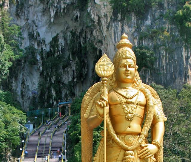 """Temple Cave."" Batu Caves. Malaysia. Kuala Lumpur. Murugan. ""Храмовая пещера"". Пещеры Бату. Малайзия. Куала-Лумпур. Муруган."