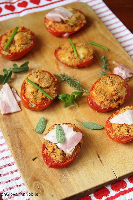 Pomodori farciti con scamorza fresca, timo