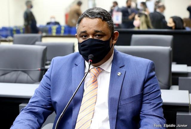 NO RASTRO DO DINHEIRO: VEREADOR DESCOBRE LUCRO DE MAIS DE 3 MILHÕES DO SETURN COM CARTEIRAS ESTUDANTIS