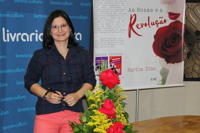 Autora Karina Dias