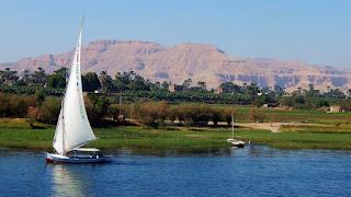 موضوع تعبير عن نهر النيل قصير بالعناصر