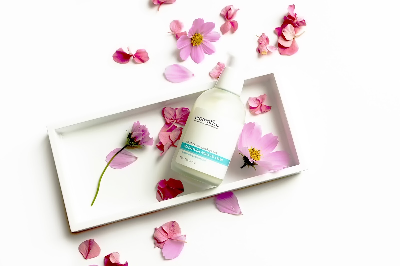 barely-there-beauty-korean-skincare-aromatica-sea-daffodil-review
